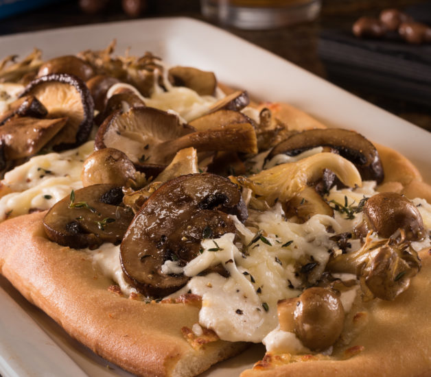 iPic Express_Roasted Mushroom Pizza_Eduardo Chacon